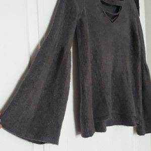 American Eagle lightweight bell sleeve sweater
